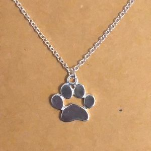 Super cute paw print necklace